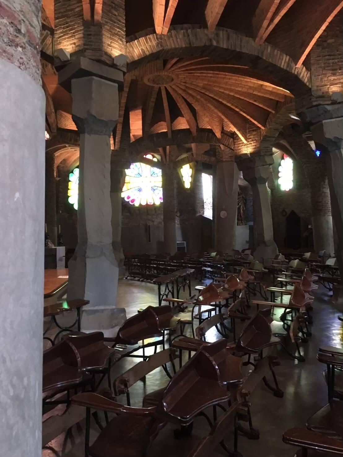 コロニアグエル教会